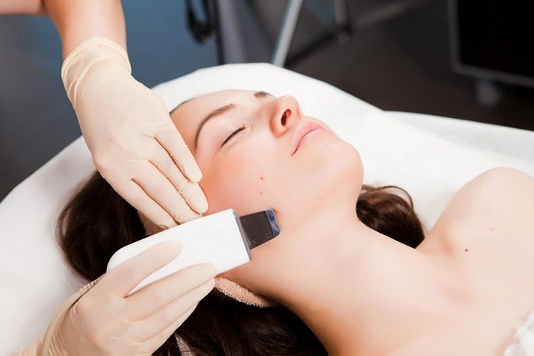 Peeling Facial cu Ultrasunete